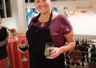 volunteer_serving wine